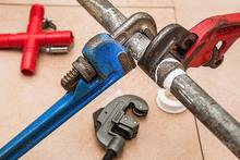 plumbing-pipe-wrench-plumber